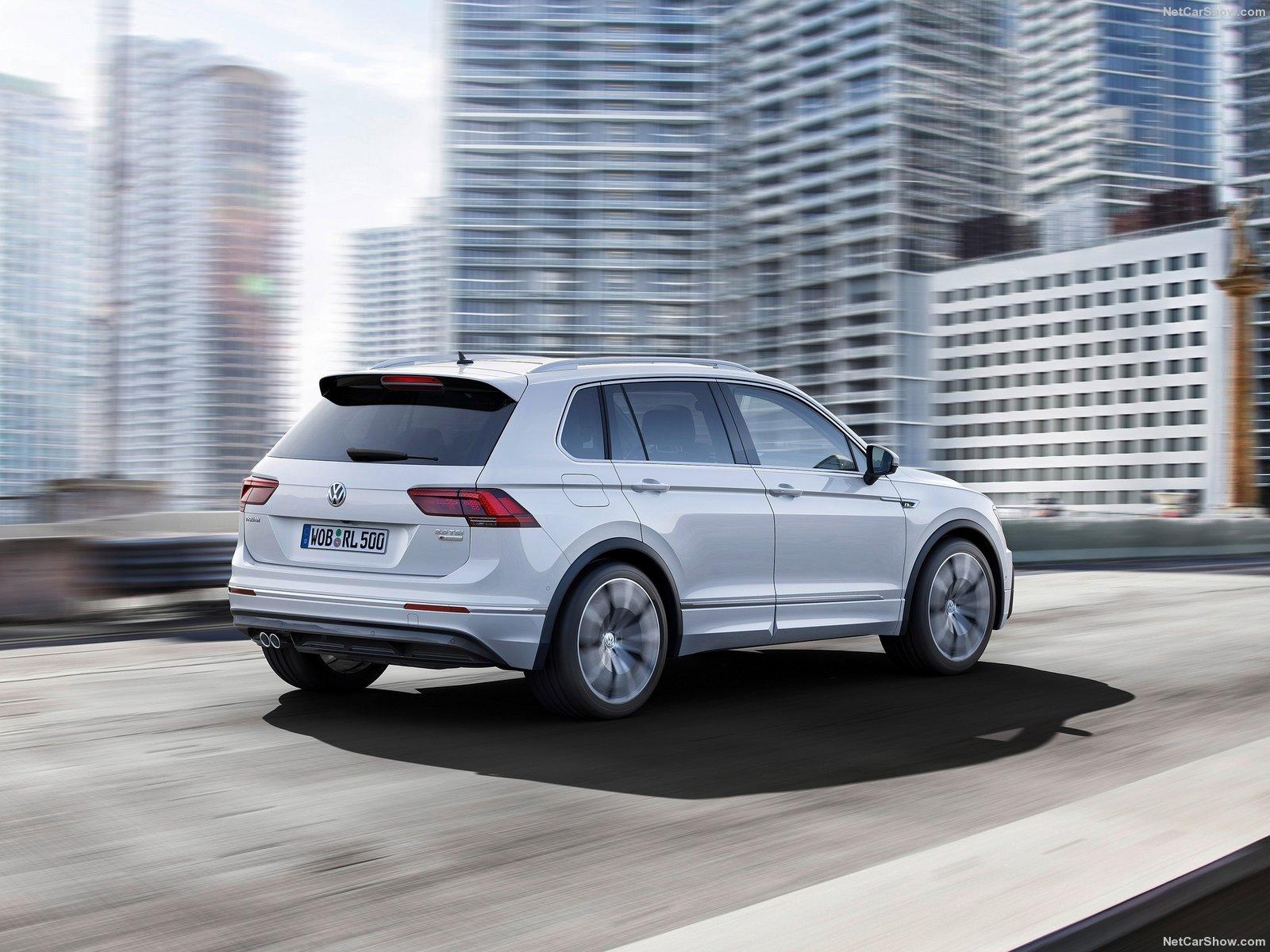 Volkswagen-Tiguan-2017-1600-23